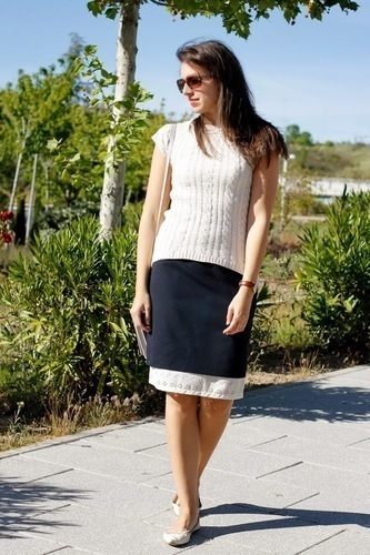 Limit 550 500 sugarlane navy midi skirt beige knitted top