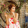Fill 98 98 indian fashion streetstyle fashion blogger in bangalore india nilu yuleena thapa wearing alice mccall inspired dress from stylemoi kiss print tube dress strapless dress with giant vintage round sunglasses20